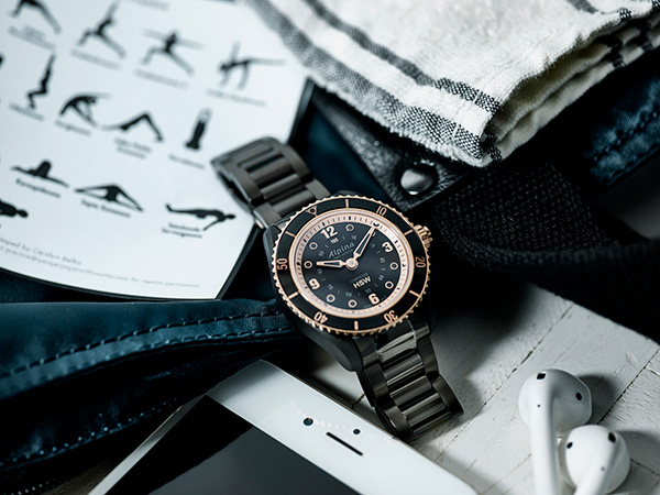 Comtesse Horological Smartwatch